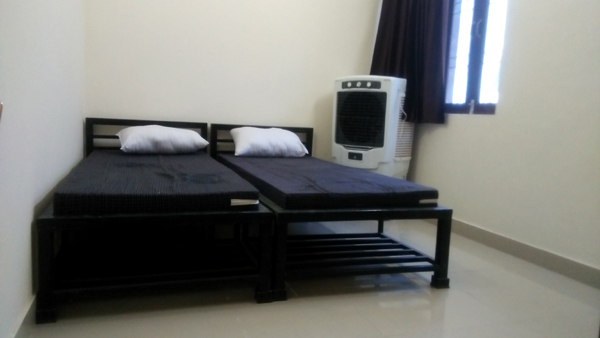 rosewood creek girls pg in aligarh